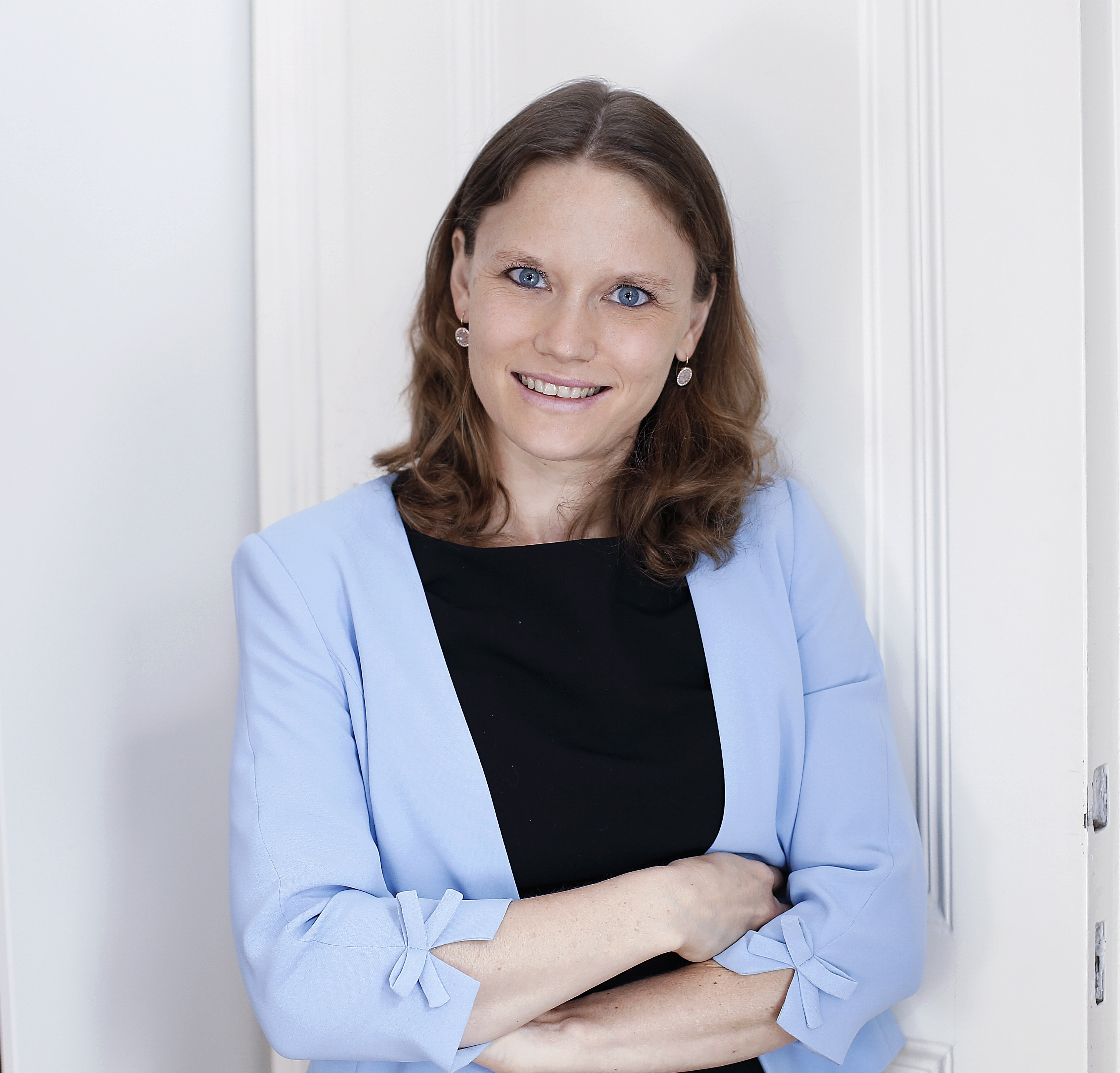 Dr. Verena BRAUNER