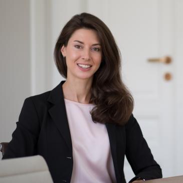 Dr. Pilar KOUKOL Rechtsanwältin
