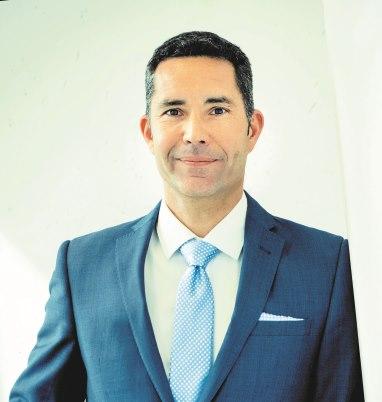 Dr. Alexander LISON