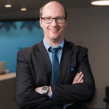 Dr. Michael STESKAL