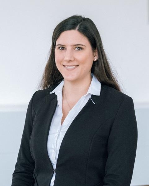 Dr. Verena KODERHOLD-KRAPKA LL.M.