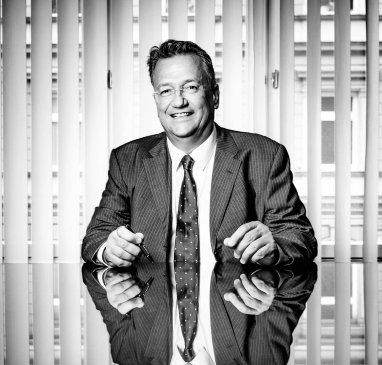 Univ.-Doz. Dr. Bernd A. OBERHOFER