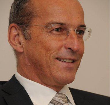 Dr. Peter BIBIZA M.B.L.-HSG