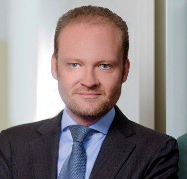 Dr. Oliver VÖLKEL