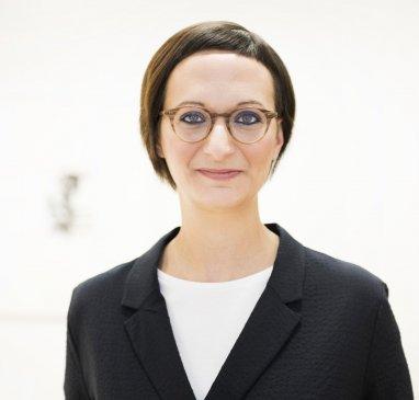 Mag. Eva SCHMELZ