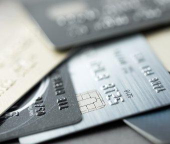 OGH-Urteil: Gebühr für Kreditkartensperre ist unzulässig, PIN notieren erlaubt