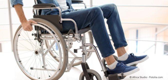 OGH: Beleuchtungspflicht für Rollstuhlfahrer im Straßenverkehr?